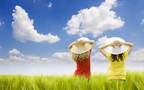 Обои облака, девушки, поле, шляпки