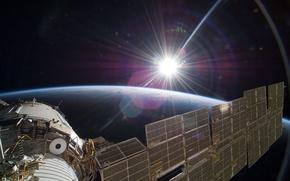 Картинка солнце, космос, корабль, Земля, космический, Союз, пилотируемый, ТМА-7