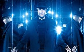 Обои шляпа, отражение, пальто, Now You See Me 2, синева, Woody Harrelson, зеркала, Вуди Харрельсон, Иллюзия ...