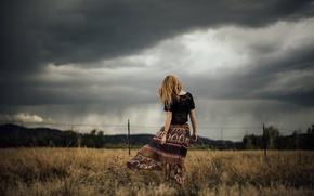 Картинка поле, осень, небо, девушка