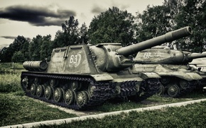 Картинка небо, парк, война, Облака, музей, погода, sky, park, clouds, самоходная, артиллерийская, советская, ИСУ-152, зверобой, museum, …