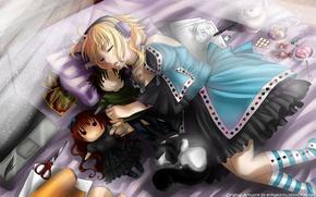 Картинка кровать, кукла, наушники, спит, ноутбук