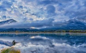 Картинка лес, облака, горы, озеро, отражение, голубое