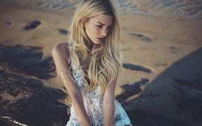 Картинка песок, пляж, девушка, берег, модель, блондинка, sea, sun, lace, swimwear, jewel, Anastasia Vervueren, Golden hours