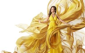 Картинка девушка, улыбка, платье, брюнетка, прическа, белый фон, ткань, желтое