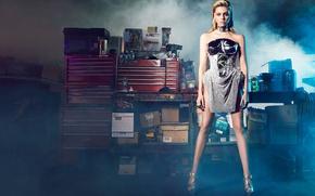 Картинка фотосессия, туфли, стоит, макияж, актриса, блондинка, позирует, модель, платье, Harper's Bazaar, Max Abadian, Nicola Peltz, ...