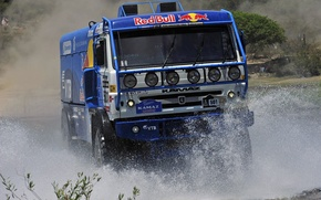 Картинка Вода, Синий, Машина, Брызги, Фары, Red Bull, KAMAZ, Rally, КАМАЗ, Dakar, Дакар, Передок