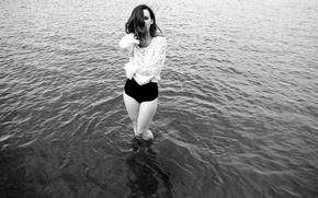Картинка girl, blouse, river, legs, woman, water, model, black and white, Hattie Watson, female, b/w