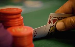 Обои карты, рука, фишки, туз, покер, король, poker