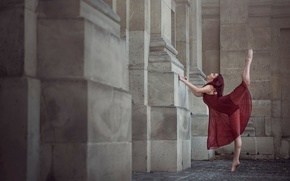 Картинка девушка, город, Париж, танец, Annabelle Tricoire