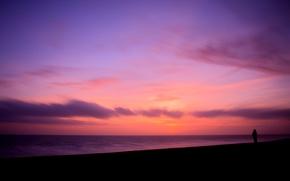 Картинка ветер, берег, побережье, море, пляжи, вечер, вода, девушка, настроение, океан, небо, девушки, силуэты