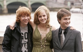 Картинка мост, знаменитости, Лондон, Темза, Гарри Поттер, Эмма Уотсон, Emma Watson, набережная, Daniel Radcliffe, Rupert Grint, …
