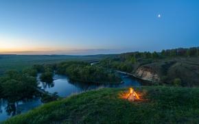 Картинка костёр, панорама, обрыв, река, лес