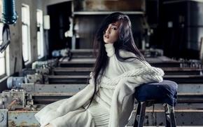 Картинка стиль, модель, азиатка, мастерская, свитер, рукава