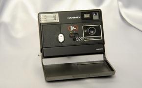 Картинка фон, камера, Hanimex Disc 320, Motor Drive, выдержка 1/200 (1/100 с флэш-памятью), 5 мм (f ...