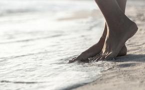 Картинка песок, ноги, браслет, прилив