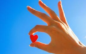Картинка широкоэкранные, сердце, рука, HD wallpapers, blue, обои, девушка, полноэкранные, love, background, sky, сердечко, широкоформатные, настроения, ...
