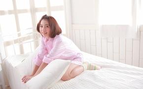 Картинка улыбка, подушка, спальня, восточная девушка