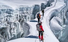 Картинка лед, зима, солнце, снег, горы, скалы, трасса, тени, экстремальный спорт, альпинистов
