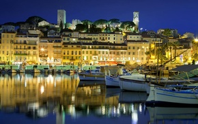 Картинка ночь, огни, Франция, дома, лодки, гавань, старый город, Прованс-Альпы-Лазурный берег, Канны, Приморские Альпы, Сюке