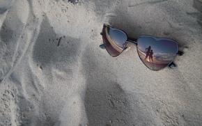 Картинка песок, море, очки