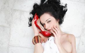 Картинка взгляд, девушка, брюнетка, браслет, Jenya D, Katie Fey, Евгения Диордийчук, кареглазая