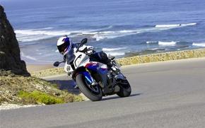 Обои дорога, море, лето, вода, горы, океан, скалы, мотоциклы, спорт, поездка, байки, путишествия