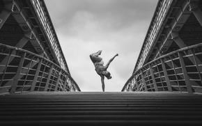 Картинка гимнастка, стойка, Emilie Caillon