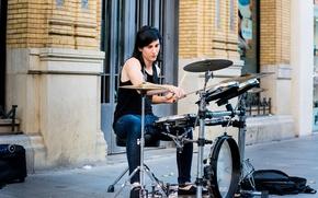Картинка улица, музыкант, ударные
