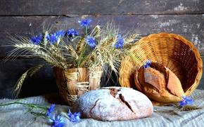 Картинка натюрморт, хлеб, пшеница, васильки, колоски