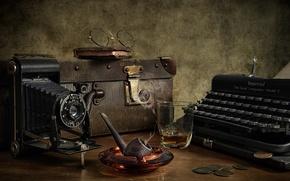 Картинка трубка, фотоаппарат, пишущая машинка