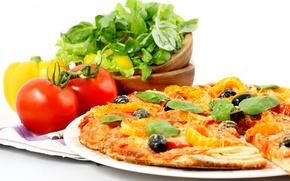Обои pizza, italian cuisine, tomato, onion, greens, salad, bell pepper
