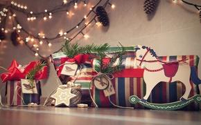 Обои новый год, подарки, лошадка, гирлянда