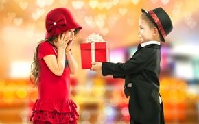 Картинка Платье, Праздник, Девочка, Мальчик, Дети, Подарки, Двое, Шляпа, фото, Ситуация, Костюм