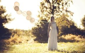 Картинка девушка, фон, шары