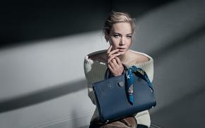 Картинка модель, макияж, реклама, актриса, прическа, блондинка, сумка, платок, фотосессия, бренд, Jennifer Lawrence, Дженнифер Лоуренс, джемпер, …