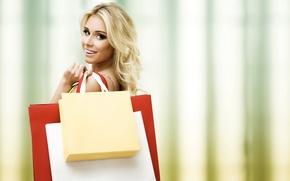 Картинка взгляд, девушка, радость, улыбка, настроение, покупки, пакеты, шопинг, удачные