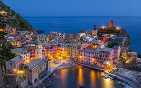 Картинка Италия, побережье, Чинкве-Терре, бухта, море, лодки, Vernazza, Ligurian Sea, здания, Cinque Terre, Лигурия, Liguria, Вернацца, ...