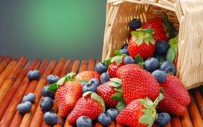 Обои лето, корзинка, голубика, клубника, ягоды