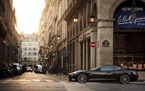 Картинка Aston Martin, улица, здания, Вираж, вид сбоку, Астон Мартин, Virage