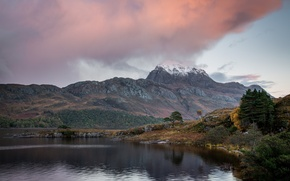 Картинка гора, тучи, озеро, небо, снег, деревья, осень