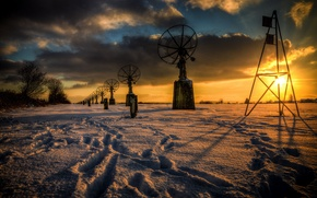 Картинка зима, закат, антены