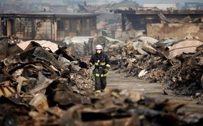 Обои бедствие, обломки, неизвестность, город, руины, разруха, мольба, япония, смерть, землетрясение, цунами, разрушение, дома, спасатель, скорбь, ...