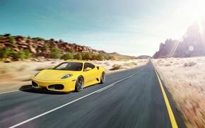 Картинка дорога, блики, скорость, F430, Ferrari, феррари, жёлтая, yellow
