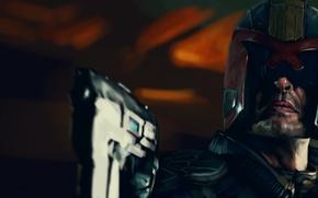 Картинка пистолет, шлем, Dredd, Judge Dredd, судья дредд