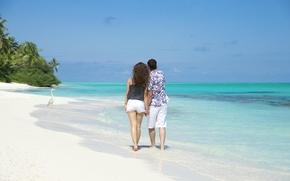 Картинка пляж, океан, пара, прогулка, двое, белый песок