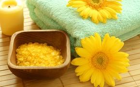 Картинка цветы, свеча, полотенце, чаша, кристаллы, yellow, жёлтые, flowers, спа, циновка, candle, соль, spa, salt, towel, …