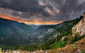 Обои Крым, деревья, свинцовое, небо, горы