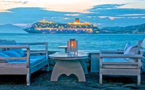 Картинка корабль, стол, Греция, горы, отдых, лайнер, море, огни, вечер, небо, кресло, облака, остров Миконос