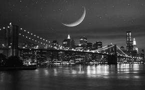 Картинка небо, звезды, ночь, мост, city, город, lights, огни, отражение, река, луна, здания, дома, ч/б, moon, …